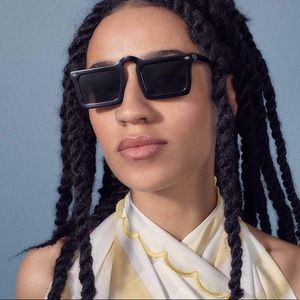 Man Repeller unibrow squared sunglasses in black